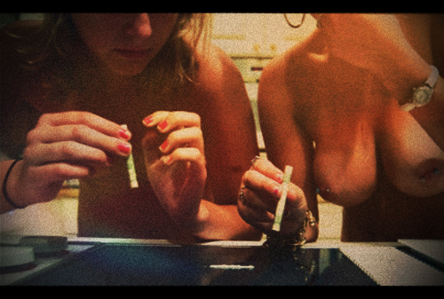 nude girls doing cocaine